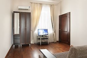 Apartment on Maidan, One Bedroom, 003
