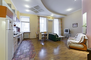 Two-bedroom apartment on Velyka Zhytomyrska (630), Dreizimmerwohnung, 004