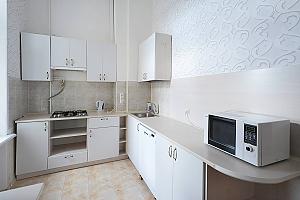 Ексклюзивна дизайнерська квартира в 400 м від Майдану, 1-кімнатна, 002