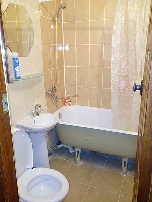 Апартаменти у Києві, 2-кімнатна, 006