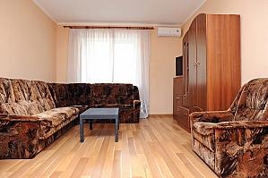 Люкс біля МВЦ, 2-кімнатна, 004