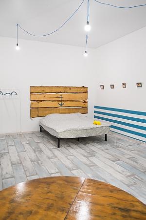 The flat of Kostya the sailor, Studio, 003