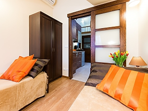 Bright apartment in city center, Quatre chambres, 003