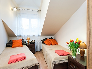 Bright apartment in city center, Quatre chambres, 001