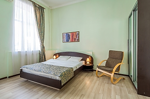 Apartment in Holosiivskyi district of Kyiv, Studio, 001