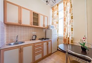 Apartment in Holosiivskyi district of Kyiv, Studio, 003