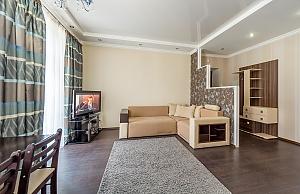 Квартира бизнес-класса на улице Крещатик, 2х-комнатная, 004