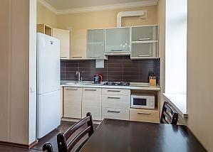 Квартира бизнес-класса на улице Крещатик, 2х-комнатная, 003