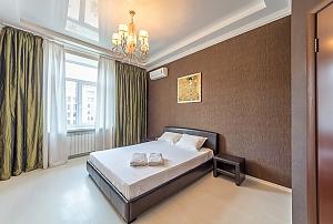 Квартира бизнес-класса на улице Крещатик, 2х-комнатная, 001