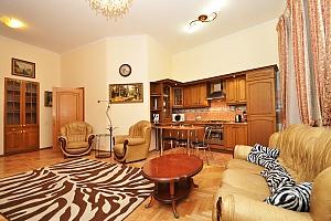 Квартира люкс-класу в самому серці Києва, 2-кімнатна, 003