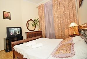 Квартира люкс-класу в самому серці Києва, 2-кімнатна, 002