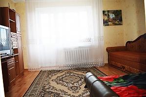 Комфортна квартира, 2-кімнатна, 001