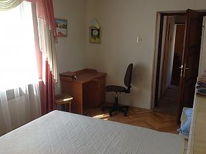 Apartment close to the center, Trois chambres, 011