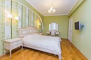 View apartment near Druzhby Narodiv metro station, Una Camera, 002