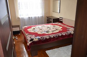 Уютная и чистая квартира, 2х-комнатная, 001