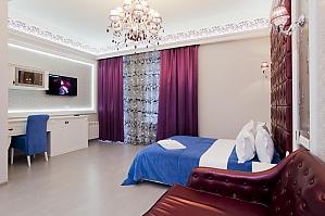 Просторные стильные апартаменты-студио с балконом, 1-комнатная, 001