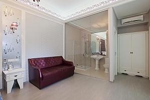 Просторные стильные апартаменты-студио с балконом, 1-комнатная, 003