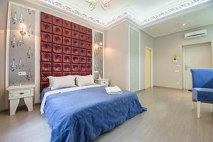 Современный тихий полулюкс с душем, 1-комнатная, 001