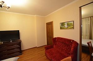Apartment not far from Livoberezhna, Studio, 004