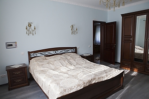 A room in a country villa, Monolocale, 001
