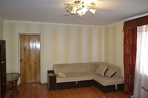 Apartment in the centre of Kamianets-Podilskyi, Zweizimmerwohnung, 001