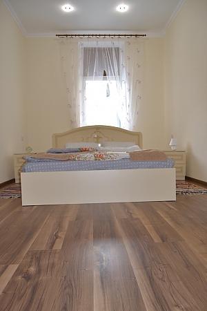 Concordia Apartments, Two Bedroom, 003