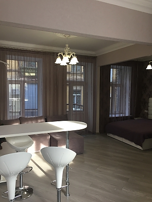 Apartment after a renovation near Maidan, Monolocale, 002