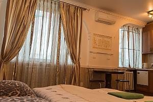 VIP apartment in the center on Svobody square, Studio, 003