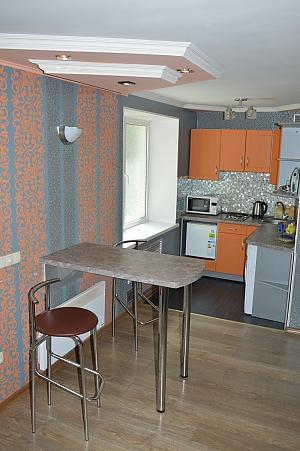Apartment near Svobody square, One Bedroom, 003