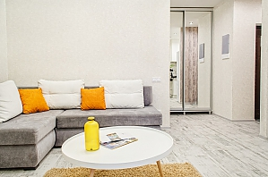 Chic apartment in the center of Kharkov, Dreizimmerwohnung, 003