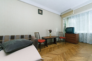 Economy-class apartment with high-quality cleaning on Livoberezhna, Monolocale, 003