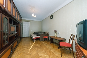 Economy-class apartment with high-quality cleaning on Livoberezhna, Monolocale, 004