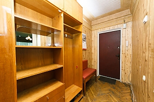 Economy-class apartment with high-quality cleaning on Livoberezhna, Monolocale, 010