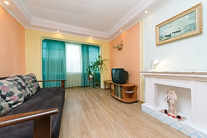 Budget apartment with standard equipment on Heroiv Dnipra metro station, Monolocale, 003