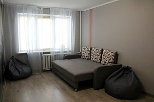 Квартира возле метро Героев Днепра, 2х-комнатная, 001