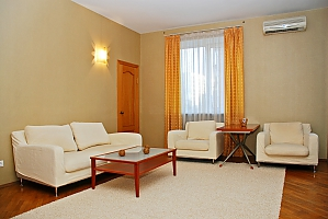 Cozy apartment in the city center, Due Camere, 002