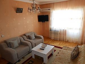 Квартира біля моря, 3-кімнатна, 002