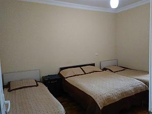 Квартира біля моря, 3-кімнатна, 001