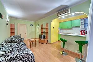 Квартира на метро Печерская, 2х-комнатная, 001