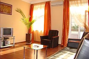25 Antonovycha, Un chambre, 002