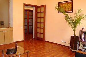 25 Antonovycha, Un chambre, 003