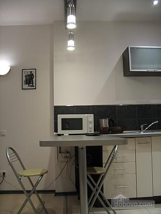 Апартаменты на проспекте Кирова, 1-комнатная (70705), 011