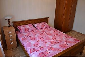 Апартаменты на Оболони, 2х-комнатная, 002