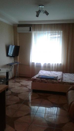 Квартира біля станції метро Спортивна, 1-кімнатна, 001