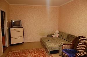 Apartment in 50 meters from Akademmistechko metro station, Una Camera, 003