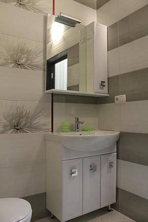 Квартира в новострое в центре Трускавца, 1-комнатная, 003
