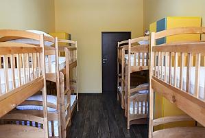 Спальное место в общем номере для женщин, 1-комнатная, 002