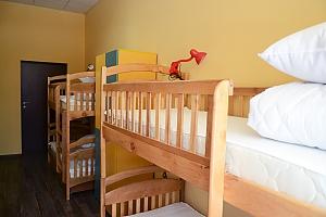 Спальное место в общем номере для женщин, 1-комнатная, 001