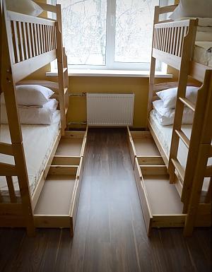 Комфортное спальное место в номере для женщин, 1-комнатная, 001