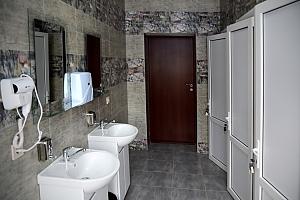 Спальное место на двухъярусной кровати в общем 8-ми местном номере для мужчин, 1-комнатная, 003